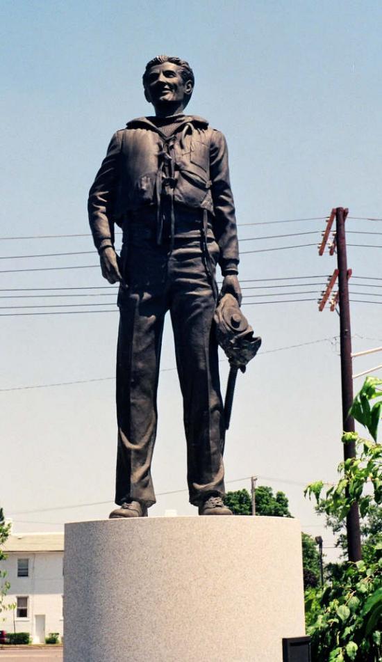 statue Gentile.jpg