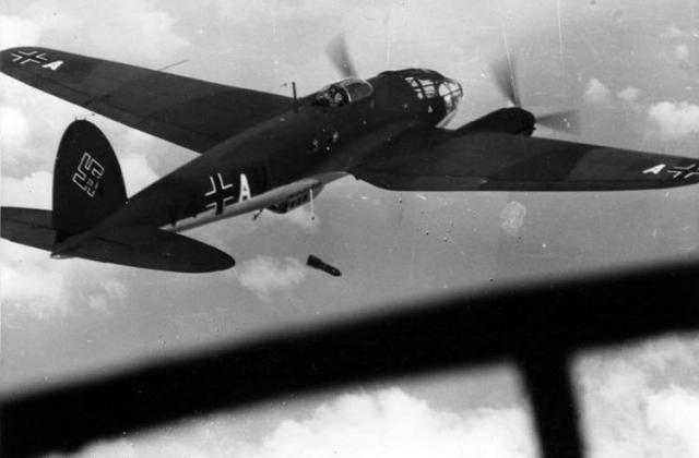 Bundesarchiv bild 101i 317 0043 17a flugzeug heinkel he 111