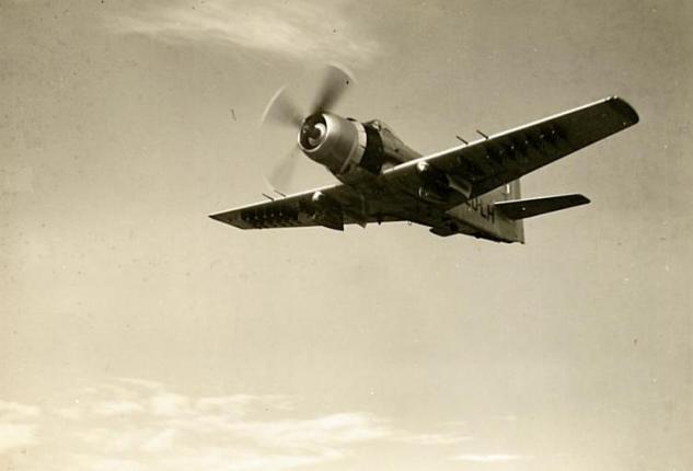 douglas-skyraider.jpg