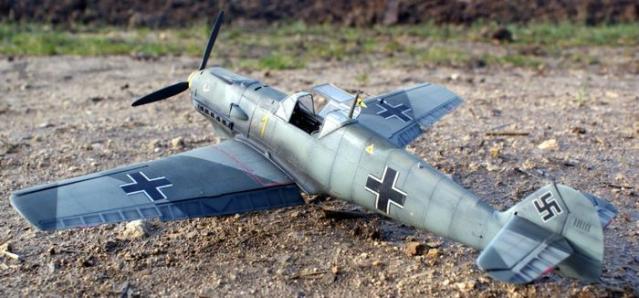 Messerschmitt bf 109 e 1 oblt georg schneider 1 32 in the field