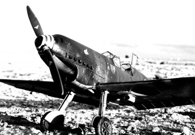 Messerschmitt bf 109d oblt georg schneider 1 32 noir blanc