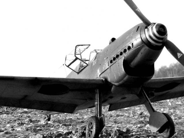 Messerschmitt bf 109d oblt georg schneider 1 32 noir et blanc