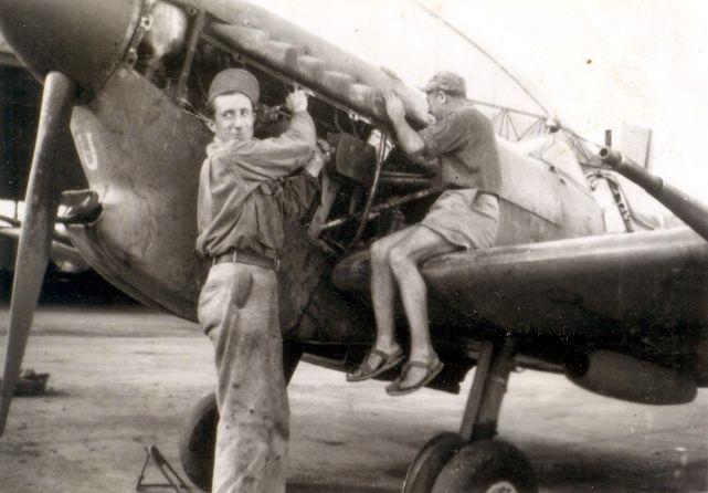 Spit v u mks 09 1945 1